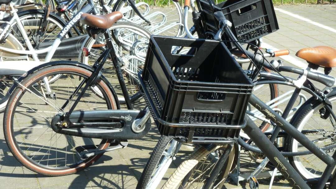 Fietsenrek met fietsen