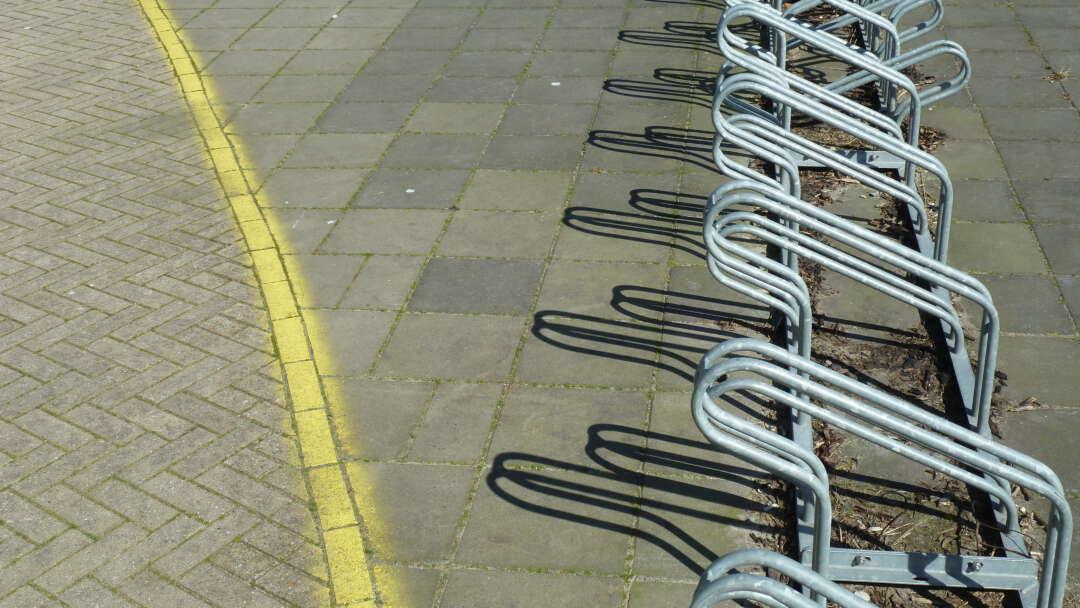 Leeg fietsenrek